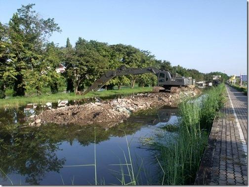Thaiflood_Buddhamontol_20111030_03