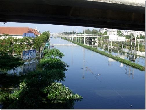 Thaiflood_Buddhamontol_20111030_05