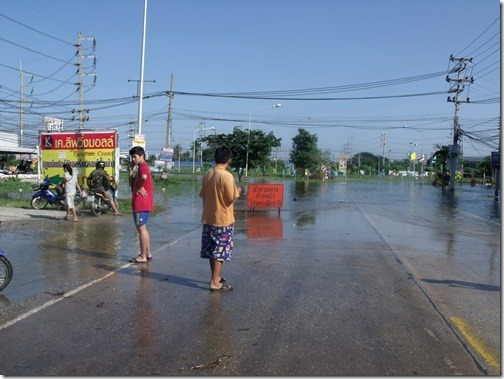 Thaiflood_Buddhamontol_20111030_09