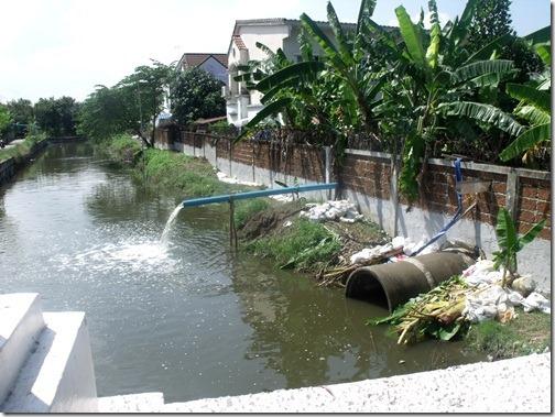 Thaiflood_Buddhamontol_20111030_14