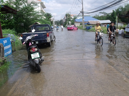 หมู่บ้านปาริชาต ปิ่นเกล้า กับน้ำท่วม 2554 (6/6)