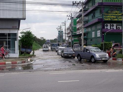หมู่บ้านปาริชาต ปิ่นเกล้า กับน้ำท่วม 2554 (5/6)