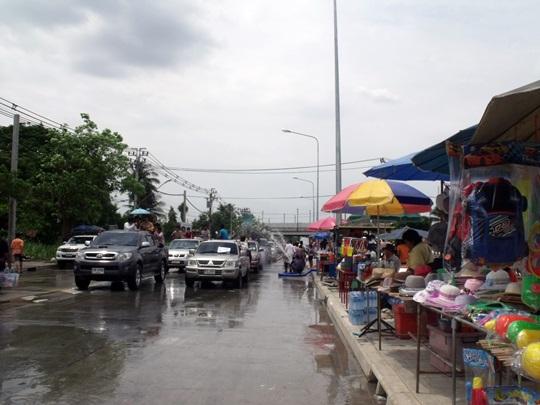 Thaweewattana_Songkran_2013
